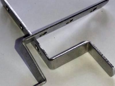 Крепление (нерж. сталь)  москитной сетки ВЕРХ/НИЗ к окну